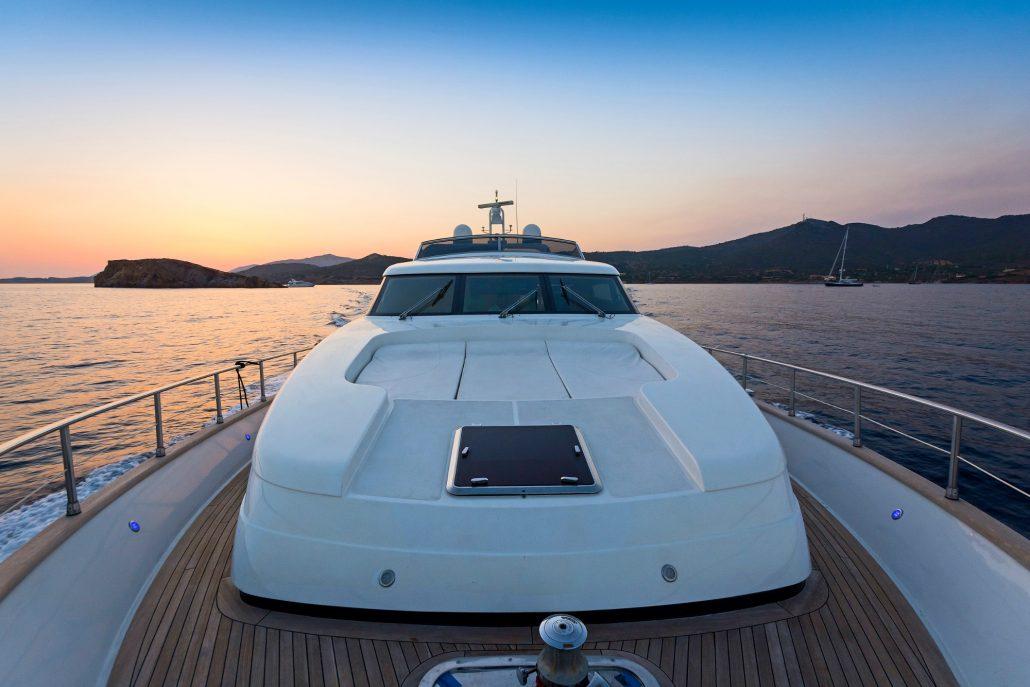 Fos, San lorenzo 72 - Eversails yacht chartering Mykonos