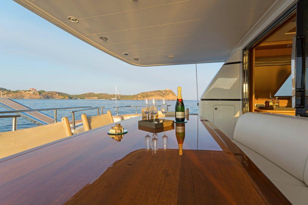 Fos, San lorenzo 72 - Eversails Mykonos yacht chartering (8)