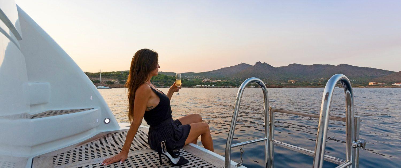 Fos, San lorenzo 72 - Eversails yacht chartering Mykonos (15)