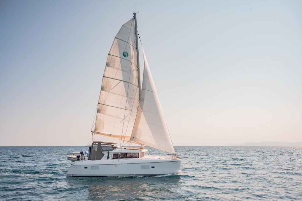 Lagoon 421 - Exterior (2) - Catamaran for charter Greece - Eversails